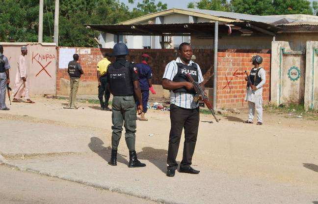 648x415 police nigeria illustration