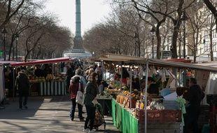 Un marché parisien jeudi 19 mars.