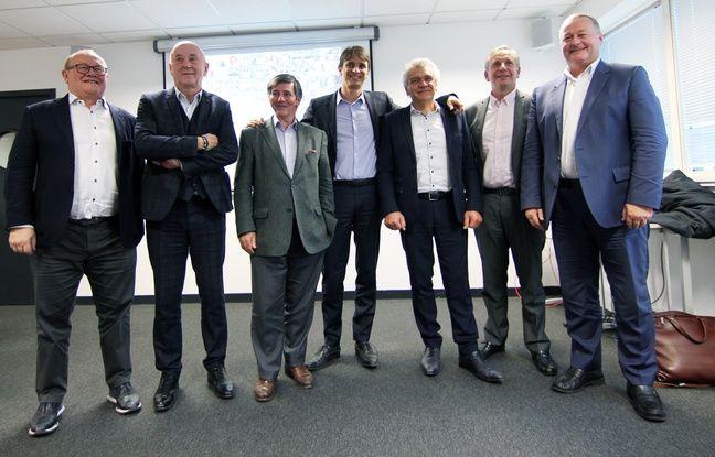 Roland Beaumanoir, Christian Roulleau, Jean-Luc Lancelot, Vincent Bédouin, Joël Chéritel, Bruno Hug de Larauze étaient réunis pour afficher leur soutien au projet d'aéroport à Notre-Dame-des-Landes.
