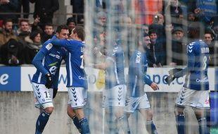 Jérémy Blayac félicité par ses coéquipiers pour son but, le deuxième de la saison en Ligue 1.
