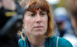 La soeur d'Aurore Martin, Emilie Martin, est convoquée le 5 novembre à Madrid par l'Audience nationale (juridiction spécialisée notamment dans les affaires de terrorisme), qui souhaite l'entendre dans l'enquête surHerrira, groupe de soutien aux membres emprisonnés de l'ETA, a-t-on appris lundi de source proche du dossier.