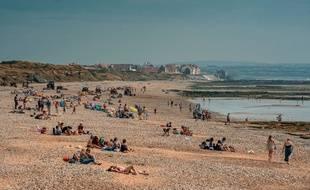 Une plage, entre les caps Blanc-Nez et Gris, aux portes de Sangatte (Pas-de-Calais)