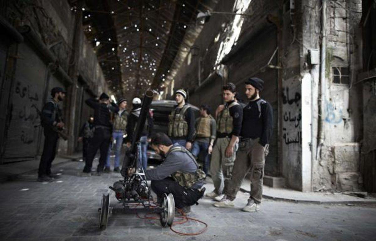 Des combattants de l'Armée syrienne libre à Alep, en Syrie, le 12 mars 2013. – TOMADA SEBASTIANO/SIPAUSA/SIPA
