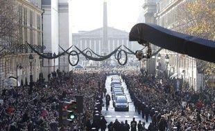 Une foule immense était présente à Paris pour rendre hommage à Johnny Hallyday, le 9 décembre 2017.