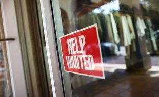 Les inscriptions hebdomadaires au chômage aux Etats-Unis ont reculé à leur plus bas niveau en 42 ans