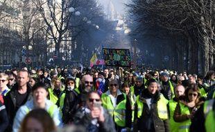 Quelque 10.200 «gilets jaunes» manifestaient samedi 16 février 2019 en France à 14 heures, dont 3.000 à Paris, selon le ministère de l'Intérieur.