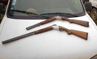 Illustration de fusils de chasse.