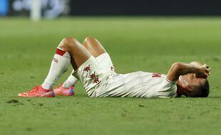 Ruben Aguilar et le football français effondrés, après l'élimination de l'AS Monaco en barrage de la Ligue des champions face au Shakhtar Donetsk.