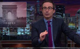 John Oliver a évoqué les attentats à Paris lors de l'émission «Last Week Tonight» du 15 novembre 2015.