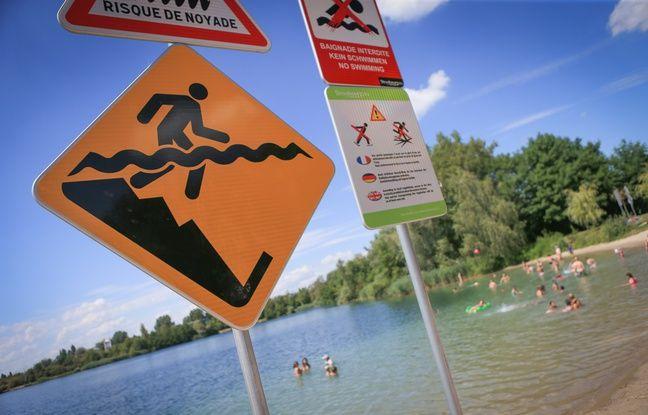 Panneau avertissement à la gravière du Lac Archard. Strasbourg le 17 juillet 2017.