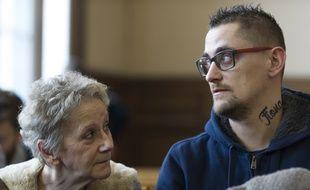 Nicolas Chafoulais s'est fait tatouer le prénom de Fiona, disparue depuis 2013, sur le cou.