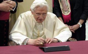 Le pape Benoît XVI a envoyé son premier tweet le 12 décembre 2012.