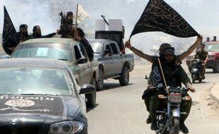 Des membres du Front al-Nosra le 26 mai 2015 à Alep, dans le nord de la Syrie