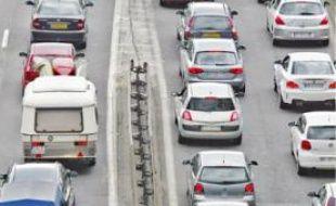 La plupart des trajets domicile-travail se font en voiture.