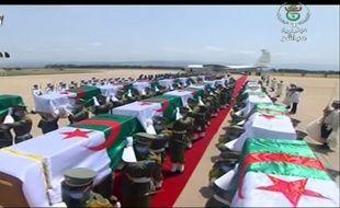 Arrivée à Alger le 3 juillet des restes rendus par la France de 24 combattants algériens tués au début de la colonisation.
