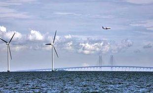 Eoliennes en mer au Danemark en 2009.