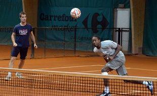 Richard Gasquet et Novak Djokovic aiment aussi jouer au foot ensemble.