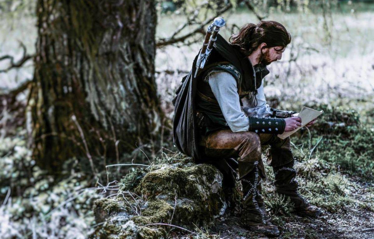L'histoire développée pour le jeu de rôle se déroule 200 ans avant les aventures de Géralt de Riv, héros des romans et jeux vidéos The Witcher. – Piotr Muller