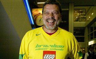 La légende du foot brésilien, Socrates, a été hospitalisé et placé en soins intensifs lundi 5 septembre 2011.
