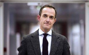 Onze mois après le décès soudain de Richard Descoings, les deux conseils de Sciences Po se sont accordés sur le nom d'un successeur, l'énarque Frédéric Mion, 43 ans, secrétaire général de Canal+, un choix qui doit encore être confirmé par le gouvernement.