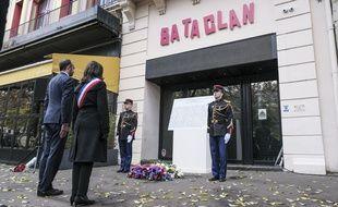 Cérémonie en hommage aux victimes des attentats du 13 novembre 2015 de Paris.