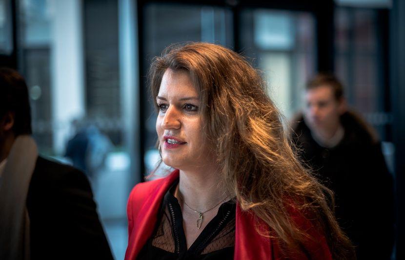 Municipales 2020 à Paris : Marlène Schiappa chahutée lors d'une réunion électorale
