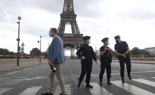 La police a bouclé le secteur après une alerte à la bombe, ce mercredi 23 septembre 2020.