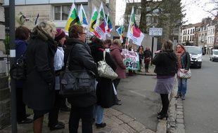 Lille, le 2 avril 2015 - Manifestation des assistantes sociales de l'Education nationale devant le rectorat de lille.