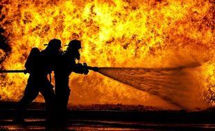 Illustration de pompiers.