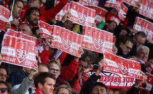 Le public brestois attend le retour de son équipe en Ligue 1 depuis six ans.
