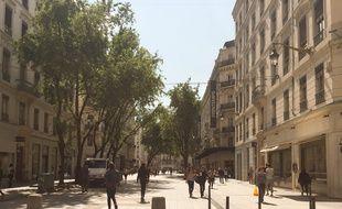 Lyon, le 6 septembre 2017. Des bornes bloquant partiellement l'accès à la rue de la République à Lyon existent mais d'autres dispositifs anti voiture-bélier sont à l'étude face à la menace terroriste.