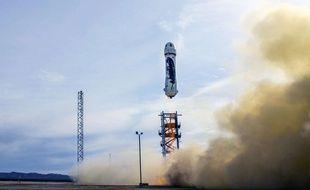 Le New Shepard de Blue origin décolle depuis le Texas, le 23 novembre 2015.