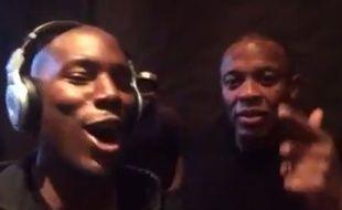 A droite, le producteur Andre «Dr Dre» Young, cofondateur de Beats Electronics.