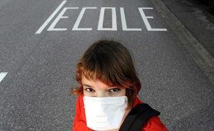 Des écoles ferment en raison de symptômes grippaux chez les élèves. Ils pourrait s'agir de la grippe A (H1N1)