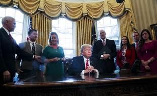 Donald Trump dans le bureau oval le 3 février 2017.