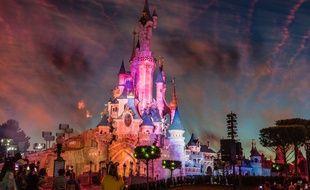 Un cas de coronavirus a été identifié au sein du personnel de Disneyland Paris mais le parc reste ouvert.