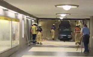Le conducteur a été arrêté aux alentours de la station peu de temps après puis relâché