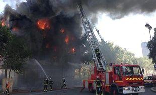 Incendie du préfabriqué de l'hôtel Bourbon-Condé