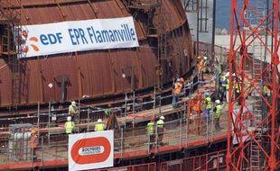 EDF a annoncé jeudi qu'il continuerait à maîtriser ses coûts d'ici à 2018 afin d'améliorer sa génération de trésorerie, après la publication de résultats solides en 2013 malgré un repli de la production nucléaire, qu'il voit cependant augmenter cette année.
