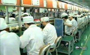 Capture d'écran du reportage de la chaîne de télévision américaine ABC, dans les coulisses des usines chinoises de Foxconn, sous-traitant d'Apple.