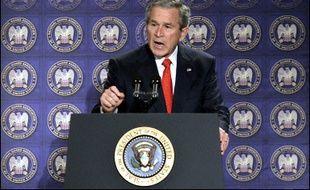 Le moment choisi par M. Bush pour divulguer les détails d'un plan déjà révélé à très grands traits fin 2005 a immédiatement suscité de nombreuses interrogations.