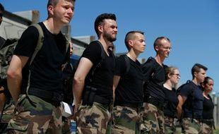 Des candidats à la réserve opérationnelle de la gendarmerie en formation le 19 juillet 2016 à Beynes