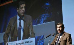 Xavier Beulin, président de la FNSEA à Laval, le 1er avril 2016