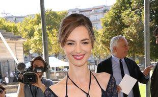 La comédienne Louise Bourgoin jouera dans une série hospitalière.