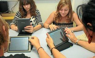 Plus de 550 tablettes sont expérimentées dans l'académie de Nice.