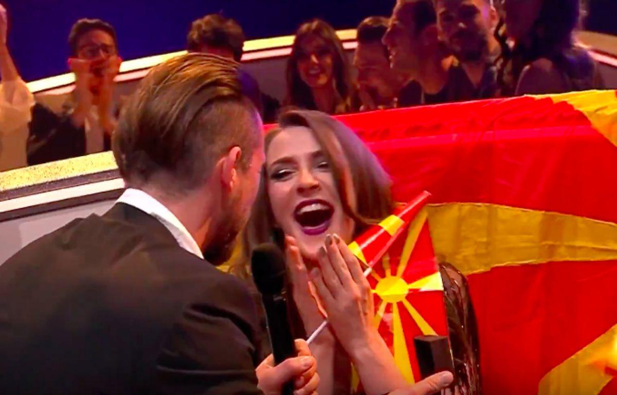 Jana Burcezka, candidate de la Moldavie à l'Eurovision 2017 a accepté, en direct, lors de sa demi-finale, le 11 mai, la demande en mariage de son compagnon. – Capture d'écran Eurovision Song Concert YouTube Channel