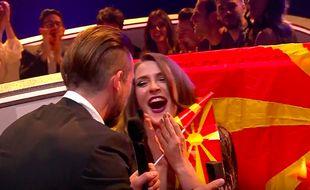 Jana Burcezka, candidate de la Moldavie à l'Eurovision 2017 a accepté, en direct, lors de sa demi-finale, le 11 mai, la demande en mariage de son compagnon.