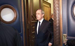 Paris, le 28 septembre 2015. Claude Guéant arrive au palais de justice de Paris où il est jugé dans l'affaire dite des «primes en liquide».