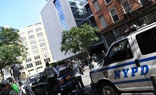 Un service de sécurité présidentiel devant la résidence de Kim Kardashian à New York, le 3 octobre 2016.