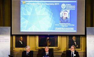 L'académie royale des sciences de Suède a décerné le prix Nobel de chimie à l'Isréalien Daniel Shechtman le 5 octobre 2011, pour sa découverte des quasicristaux.